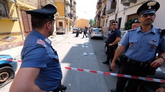 Palermo, sparatoria in via Cipressi: tre persone ferite