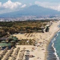 Catania, la Regione vende i suoi terreni nel boschetto della Playa: insorge
