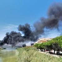 Licata, nube nera per l'incendio all'ex macello