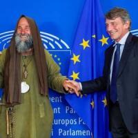 Palermo, Biagio Conte arriva a Strasburgo e consegna la sua lettera sui