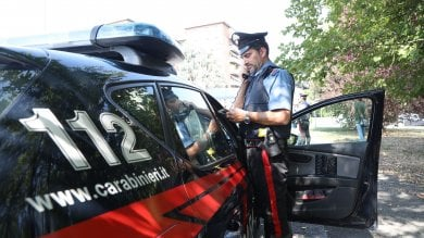 Catania, diciassettenne fa arrestare  il padre che picchia la madre