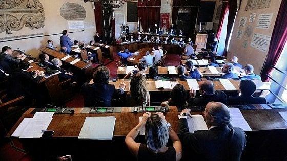 Palermo, inchiesta sui rimborsi ai consiglieri: restituiti i beni a Geloso