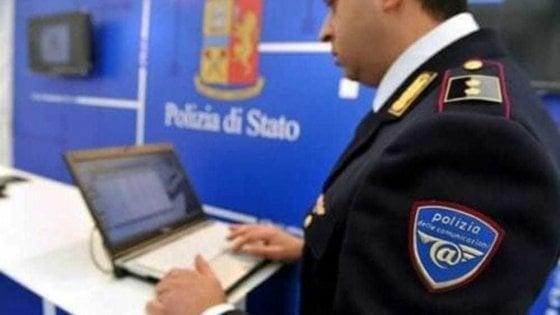 Catania, arrestato un disoccupato: divulgava sul web materiale pedopornografico