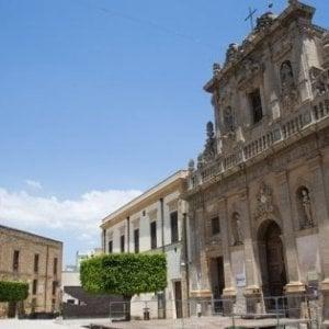 Castelvetrano, tunisino sottrae la pistola a una vigilessa: fermato