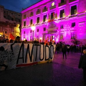 Palermo, Orlando contro l'ambasciatore turco che contesta la cittadinanza a Ocalan