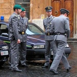 Catania, chiedevano interessi fino al duemila per cento: arrestati due usurai
