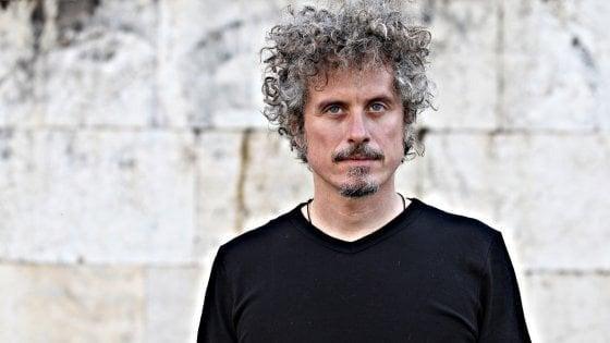 """Niccolo Fabi da Feltrinelli, al Salinas il labirinto musicale di """"Cnosso"""". Gli appuntamenti di sabato 19 ottobre"""