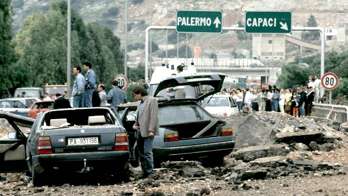 """Mafia, l'ultima verità sulla strage di Capaci: """"Un ex poliziotto mise l'esplosivo sotto l'autostrada"""" - la Repubblica"""
