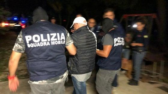 Vittoria, il pentito torna in Sicilia e riorganizza il clan. Blitz, 15 arresti. Le mani dei boss sul business della plastica