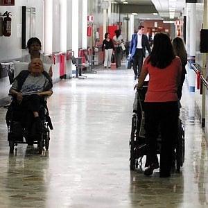 Palermo, maltrattavano gli anziani: arrestate due operatrici di una casa di riposo