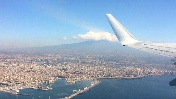 Caro voli in Sicilia, emendamento al bilancio di Fi: 100 milioni per la continuità territoriale