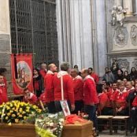 Modica, folla e commozione ai funerali di Peppe Lucifora