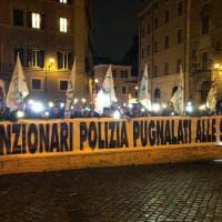 I funzionari di polizia protestano davanti Montecitorio. Ci sono anche 50 palermitani