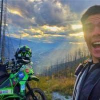 Influencer fa il giro del mondo, gli rubano la moto a Catania