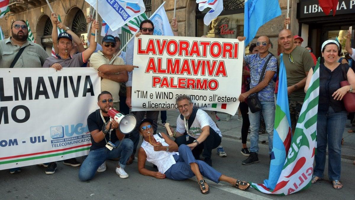 Palermo, accordo su Almaviva: cassa integrazione al 35 per cento - La Repubblica