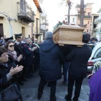 Palermo, folla di amici e parenti per l'ultimo saluto ad Ana