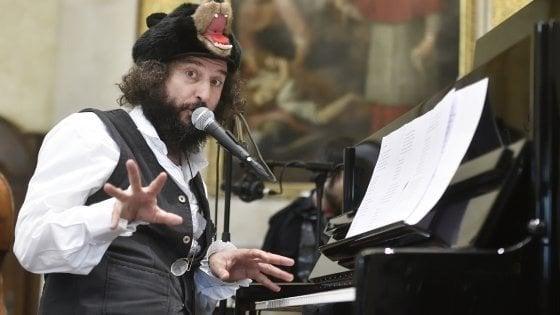 Capossela in concerto al Massimo, cineclub e novità al Rouge et Noir. Gli appuntamenti di lunedì 2 dicembre