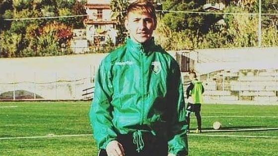 Palermo, cade dallo scooter e batte la testa: morto un giovane a Partinico