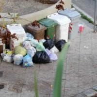 Palermo, caos differenziata: nessuna comunicazione ai residenti, rifiuti