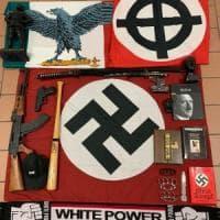 I neonazisti inneggiavano a Borghezio e Bannon.