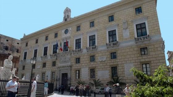 Palermo, firmato il contratto dei comunali: indennità per chi lavora in musei, cimiteri, impianti sportivi
