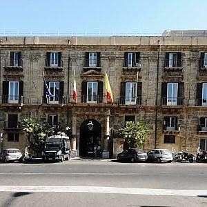 Sicilia, si sblocca la vertenza dei regionali. Firmato l'accordo sul salario accessorio