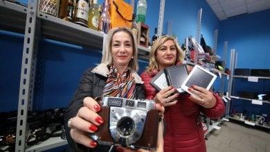 Foto  Dai trolley ai sex-toys, gli oggetti  smarriti dell'aeroporto vanno all'asta