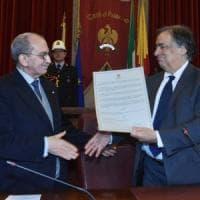 Gianni Puglisi diventa cittadino palermitano: