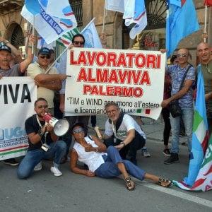 """Palermo, i sindacati di Almaviva: """"Basta tagli ai salari, organizzeremo nuove proteste"""""""