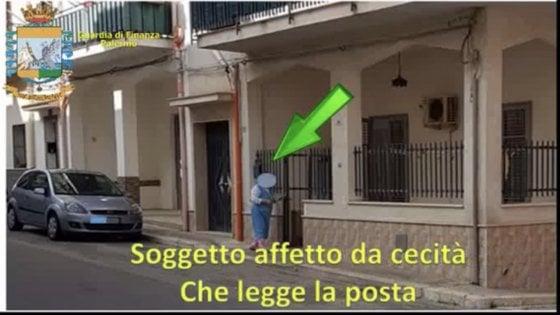 Palermo, falsi invalidi sorpresi a ballare e al volante. Erano stati dichiarati paralitici o ciechi, due arresti