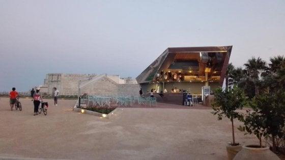 Siracusa, sarà smontato il bar di Ortigia di fronte Castello Maniace