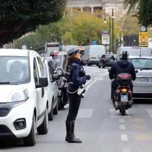 Palermo, vigili senza pistola: i primi 60 agenti tornano in servizio