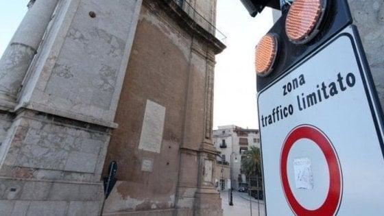 Palermo, battaglia sulla Ztl notturna: ricorso di Confcommercio al Tar