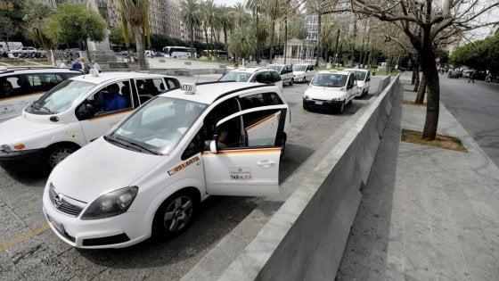 Palermo, ztl notturna: taxi a tariffa fissa di 10 euro dal parcheggio Basile al centro