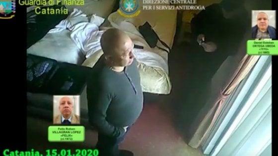 Catania, microspie e telecamere in hotel per pedinare i narcos messicani