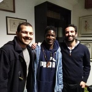 """Palermo, """"Lo abbiamo sottratto alla folla"""": la testimonianza sull'aggressione razzista"""