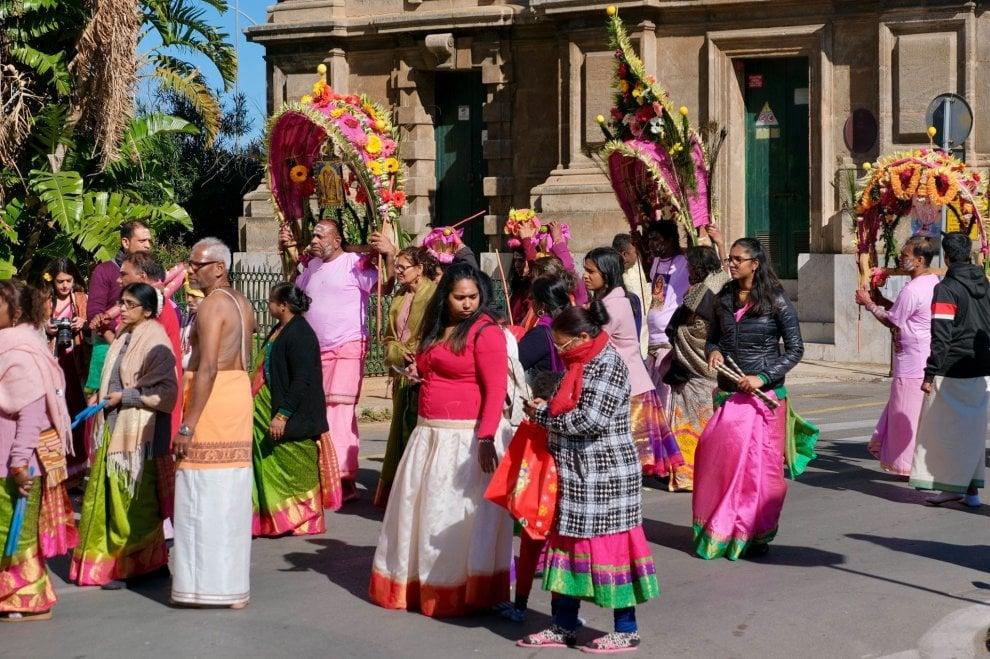 La comunità Tamil in processione a Palermo