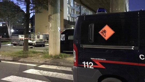 Catania, muore a 19 anni mentre piazza ordigno davanti a distributore di sigarette