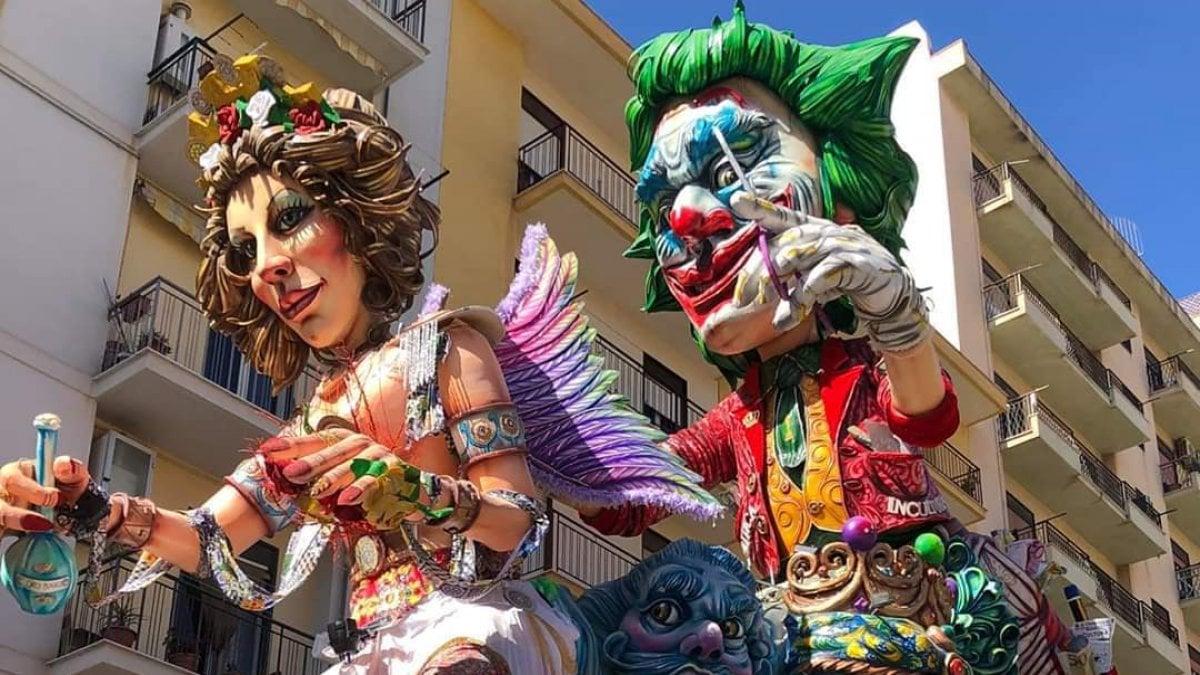 Carnevale 2020, Sciacca, tragedia durante la sfilata: bimbo di 4 anni cade da uno dei carri allegorici e muore