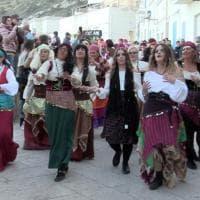 Il Carnevale di Marettimo tra sfilate di carri, balli e feste