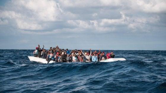 """Verso Messina la Sea Watch 3 con a bordo 194 migranti. Musumeci in allarme per il coronavirus: """"Vada altrove"""""""