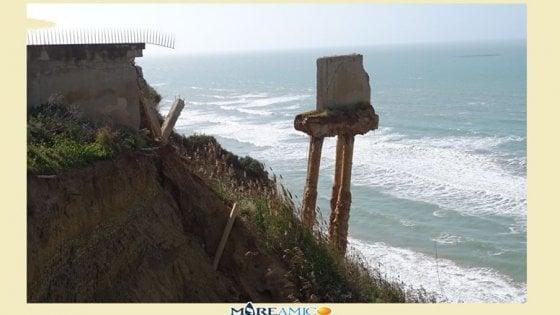 Agrigento, la collina del Caos arretra di due metri l'anno: l'allarme di Mare Amico