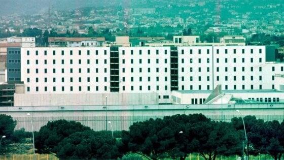 Palermo, tensione al carcere Pagliarelli. Incendi nelle celle di 300 detenuti