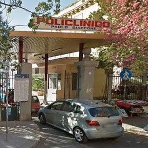 Palermo, medici e infermieri al lavoro e i ladri rubano i loro portafogli e telefonini