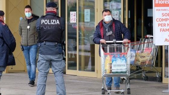 Palermo, indagini sul gruppo di Facebook che pianificava raid nei supermercati