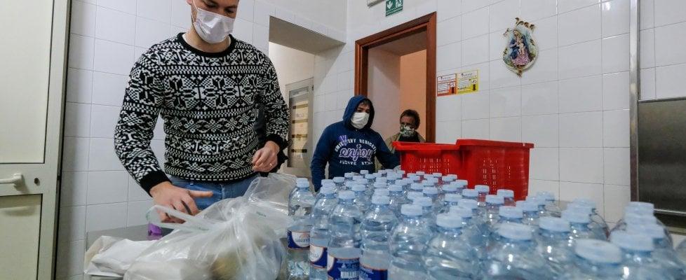 Coronavirus, al Comune di Palermo 15mila domande per aiuti alimentari