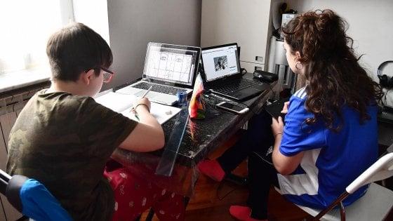 Coronavirus, arrivano i fondi di Ministero e regione per pc e tablet nelle scuole