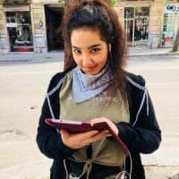 Palermo, un tablet donato ad Ahlem, la ragazza tunisina col cellulare per