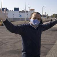 Coronavirus, il Cdm annulla l'ordinanza del sindaco De Luca sugli sbarchi a Messina