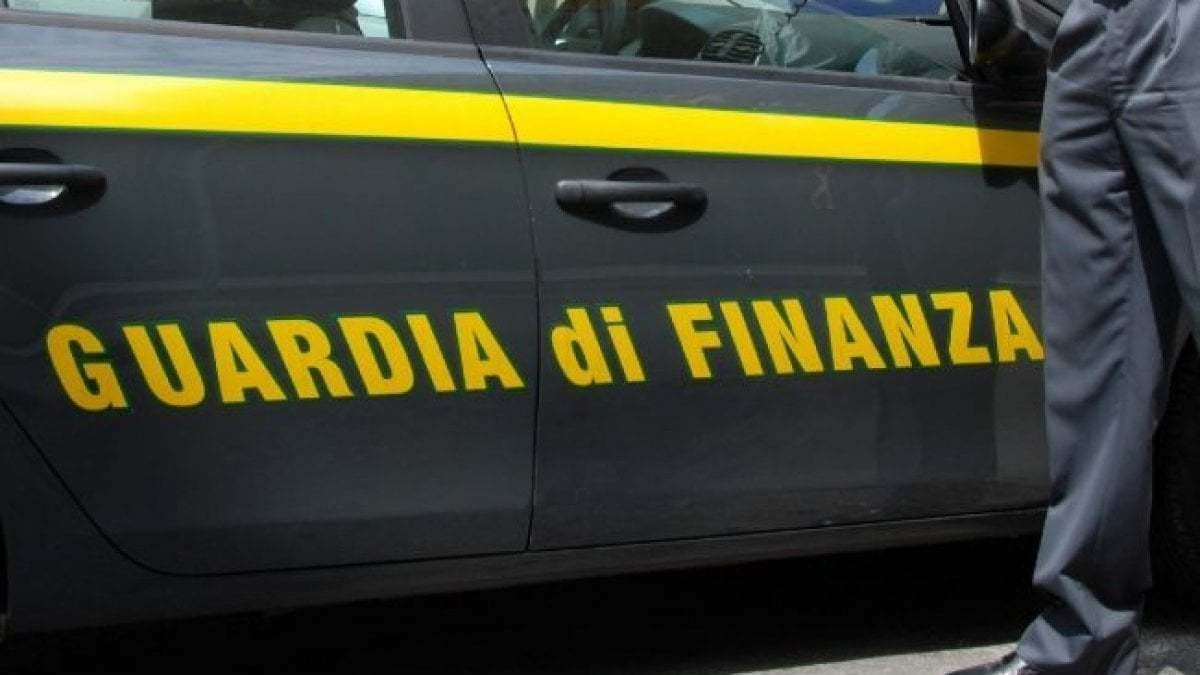 Palermo, chiede tangente a vittima di incidente: finanziere arrestato dai colleghi
